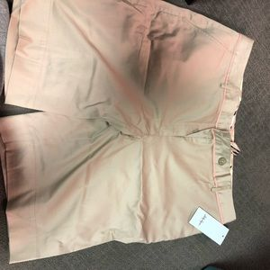 Size 14 Lady Hagen Bermuda Golf Shorts